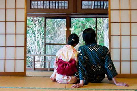 free-photo-onsen-couple-back